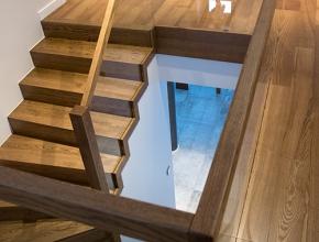 schody-z-debu-barwionego-bartoszyce-2